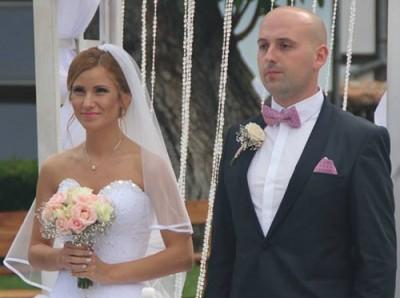 Младоженци дариха 1280 лв. на центрове за деца и възрастни с увреждания