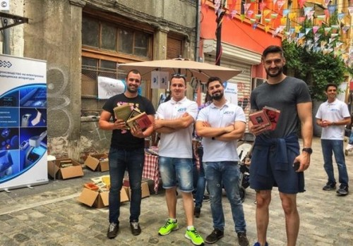 Благотворителният книжен базар на JCI Plovdiv събра средства за закупуване на компютри за дом за деца