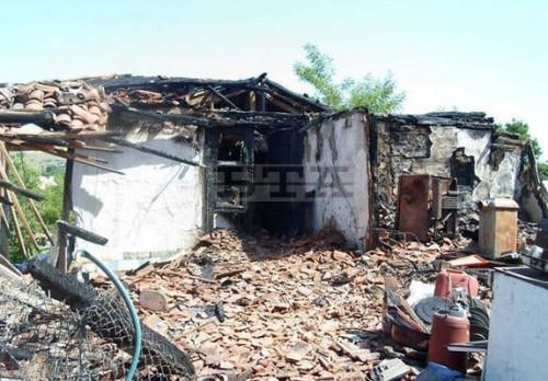 БЧК в Разград подпомогна семейство, чиято къща изгоря при пожар