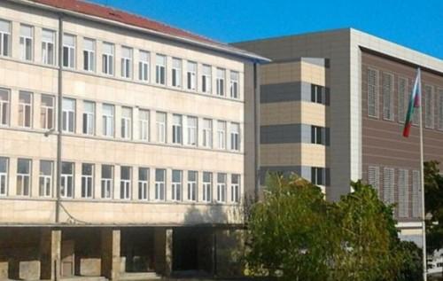 Бивши ученици дариха 8000 лв. на МГ в Бургас