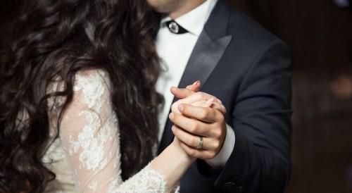 Младоженци дариха средства от сватбеното си тържество за социален център в Разград