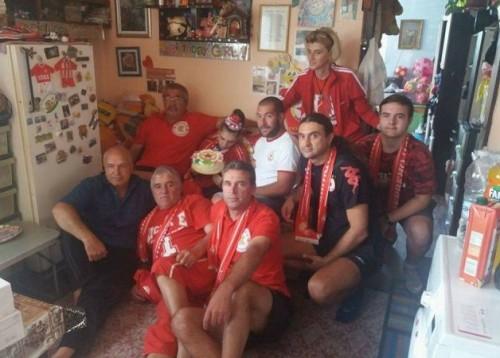 Червените фенове от Панагюрище дариха 700 лева за лечението на Теди навръх рождения й ден