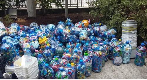 Поморийци събраха тон и половина пластмаса за благотворителна кауза в ДГ Веселушко