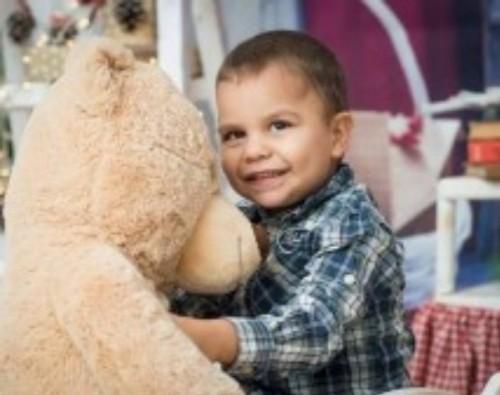 Да помогнем на 3-годишния Калоян да живее пълноценно!