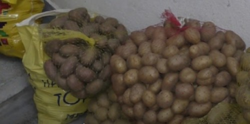 Жители от община Доспат дариха хранителни продукти на болницата в Девин