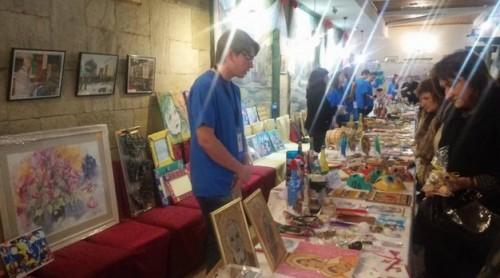 Повече от 50 художници се събраха на благотворителен арт-базар в Търговище