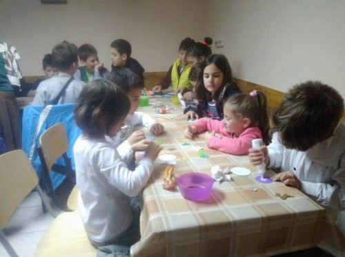 Децата от столичния храм Св. Андрей Първозвани в помощ на семейството от Търговище