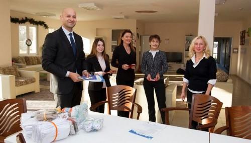 Банкери с дарение към деца увреждания в Стара Загора