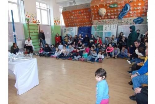 DHL Express  дариха 3000 лева за децата на Еквилибриум
