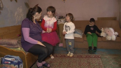 Вълна от съпричастност към самотна майка на три деца от Аксаково