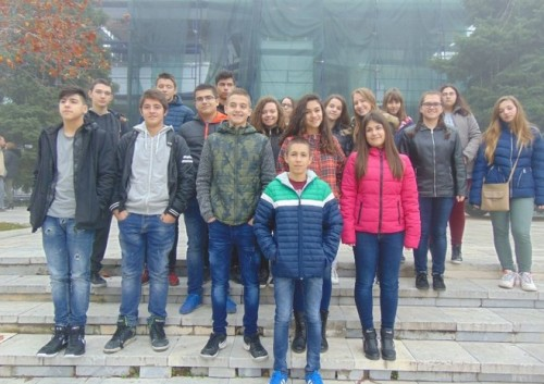 Ученици от Свищов  дариха близо 300 лева за приюта в село Нови хан