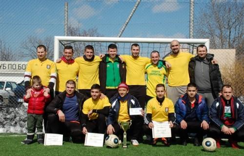 На турнира по футбол за купа 3 март победителите дариха наградите си на болно дете