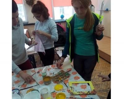 Ученици изработиха и дариха уникални предмети за благотворителния бал на Фондация Св. Иван Рилски