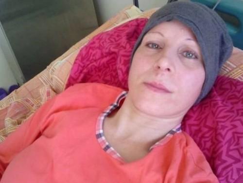 17-годишно момиче става донор на болната си от левкемия майка