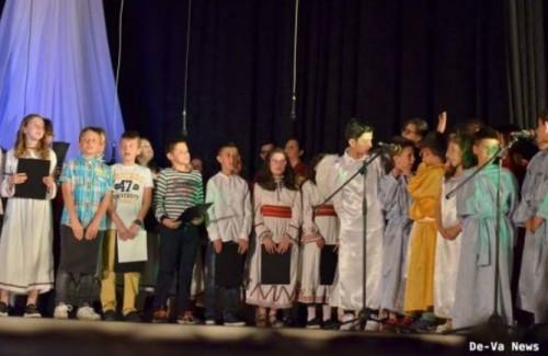 В Сандански се проведе празничен спектакъл, посветен на жените-мироносици