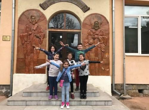 Деца даряват апаратура за малките пациенти на Пирогов