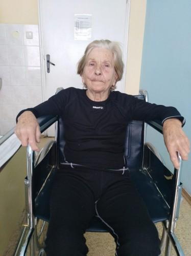 Недостигат 600 лв. за протези на баба Руска