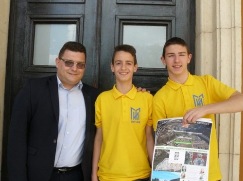 Победителите в Националната олимпиада по IT дариха проекта си на музея в Перник