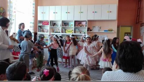 Деца в Община Бойчиновци получиха дарение