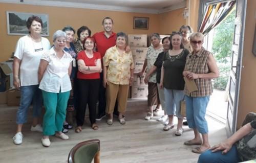 Възрастни хора бяха зарадвани в Северен-Пловдив