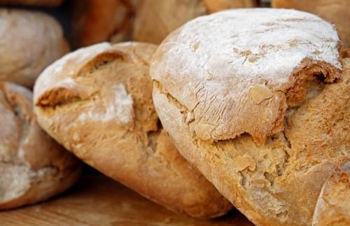 Зърнопроизводители дариха 600 хляба на БЧК – Добрич