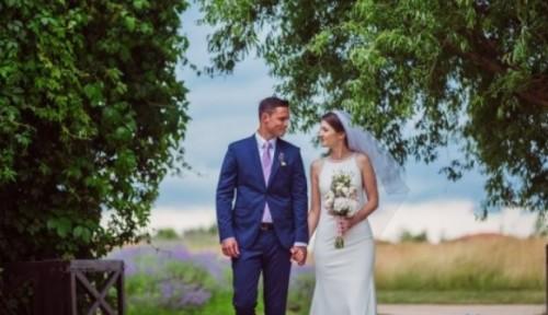 Младоженци дариха събраните си средства за засаждане на дървета край Варна