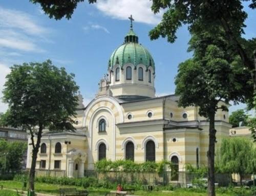 """Търсят се доброволци за нова социална кухня към столичния храм """"Св. св. Кирил и Методий"""""""