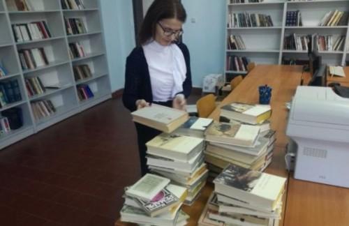 ЮЗУ получи дарение от 200 тома световна класика на руски език