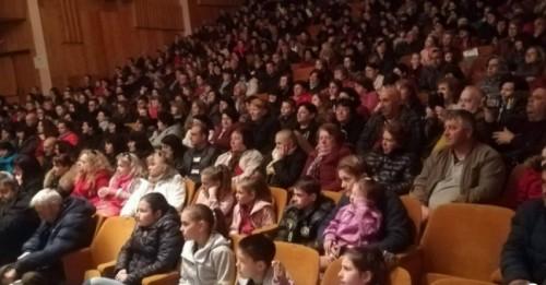 В Златоград събраха близо 40 000 лв. за лечението на Вики