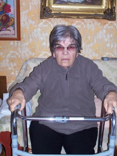 Живка от Бургас нуждае от подкрепа за операция и леща за око!