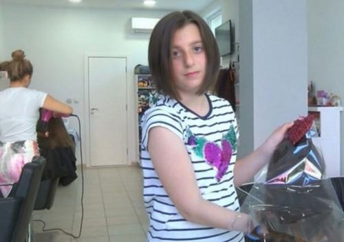 10-годишната Йоанна дари косата си за онкоболни
