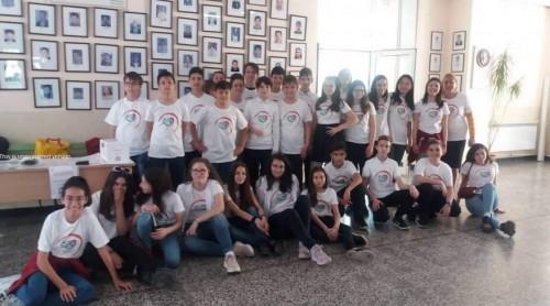 Шестокласници събраха 1100 лева за връстници, лишени от зрение и слух