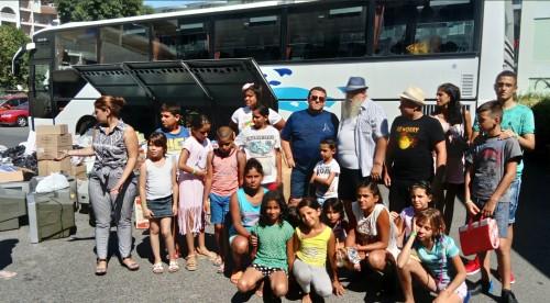 Венелин Ташев изпрати децата на отец Иван с 20 телевизора и 3 тона храна