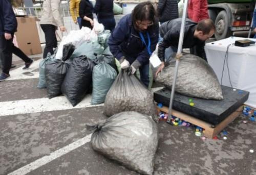 Търсят доброволци за кампанията с пластмасовите капачки във Варна