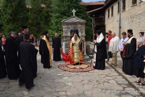 Нова чешма в южния двор на Бачковския манастир