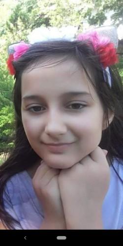 Остават още 7 000 евро и 9-годишната Паола отива на операция с последващо лечение