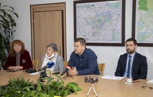 Нова социална услуга и телефон за доброволци в Стара Загора