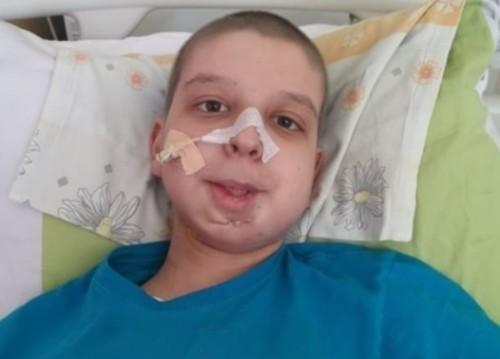 Детето на военнослужещ от Белене се бори за живот