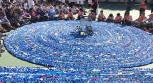 По цял свят събират капачки - за благотворителност и за рекорд