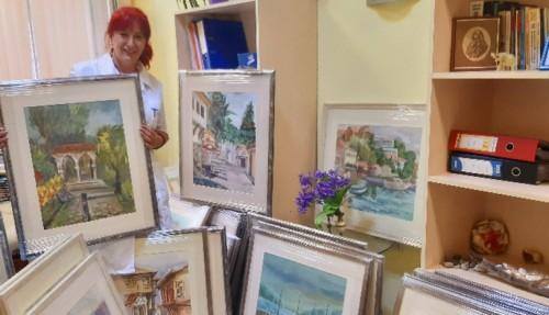 Ученици от НХГ дариха свои картини на КОЦ - Пловдив