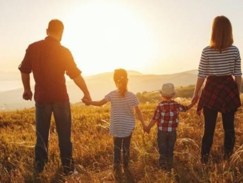 Месечна целева помощ при обявено извънредно положение или обявена извънредна епидемична обстановка за семейства с деца до 14 години