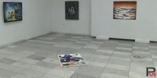 Млади художници от Русе дариха картини на болница