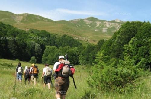 Над 70 великотърновци се включиха в благотворителен поход в подкрепа на Ангел от Пловдив