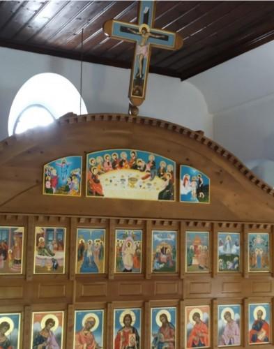 """Любимчани дариха 3 икони на храма """"Св. св. Константин и Елена"""" в Одрин"""