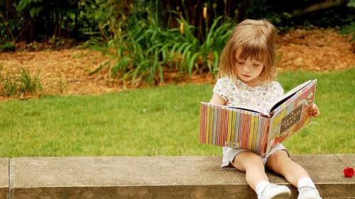 """Акция """"Подари приказка"""" събира книжки за деца  до 3 г. в нужда"""