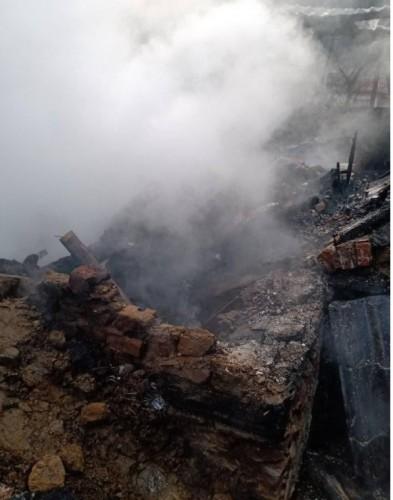 Зов за помощ за пострадалото от пожар петчленно семейство