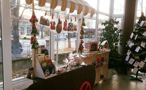 """Акция """"Дядо Коледа"""" в подкрепа на деца в неравностойни положение в Казанлък"""