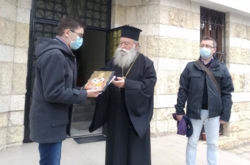 13-годишен спасител на възрастен мъж получи икона от митрополит Гавриил