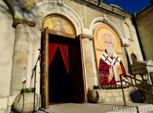 Два храма във Варна събират храна и средства за хора в нужда