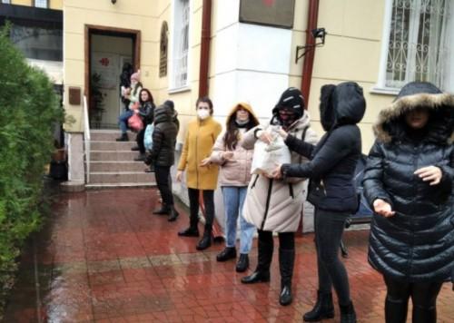 Ученици, родители и учители от Варна с благороден жест към хора в нужда